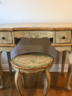 Vanity Table With Stool Solid Wood Hand Made for Sale in Los Angeles,  CA