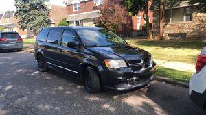 2012 Dodge Grand Caravan Clean Title for Sale in Philadelphia, PA
