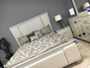 4pc. Cal King Bedroom Set for Sale in Modesto, CA