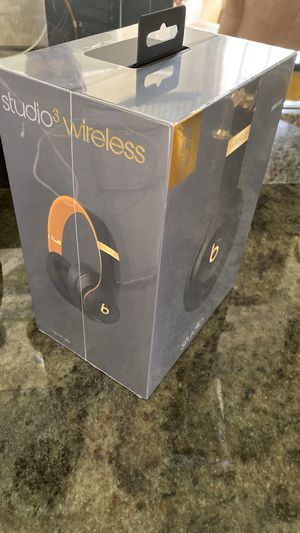 Beats studio 3 - skyline collection- Brand new sealed for Sale in West Palm Beach, FL