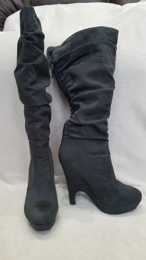 Women's Bamboo gray suede knee high boots, size 9 for Sale in Ithaca, NY