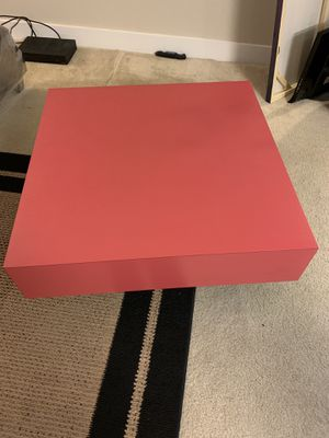 Pink coffee table for Sale in Rockville, MD