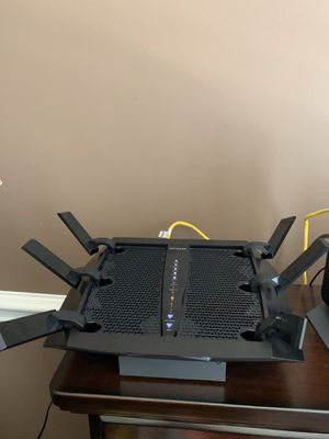 NIGHTHAWK AC3200 TRI-BAND WIFI ROUTER for Sale in Streamwood, IL
