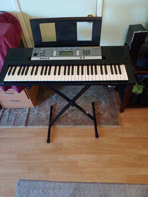 61 full-size Keys keyboard for Sale in Hayward, CA