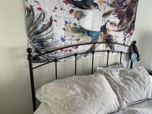 Queen Metal bed frame for Sale in San Francisco, CA