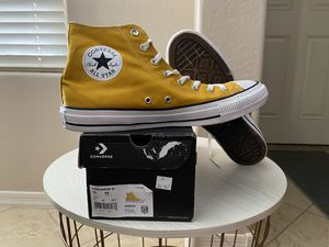 Converse Chuck Taylor All Star High Canvas High Size 11 Mens/ 13 Womens US Color: Gold Dart $45 New in box for Sale in Sun City, AZ