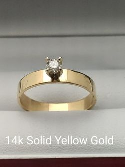 Solid 14k Yellow Gold with Solitary NATURAL DIAMOND wedding ring size 7 $500 OR BEST OFFER ** FREE DELIVERY!!! 📦🚚 ** for Sale in Phoenix,  AZ
