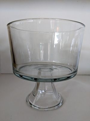 Pampered Chef trifle dessert bowl for Sale in Myersville, MD