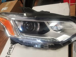 2018 traverse rh headlight for Sale in Katy, TX