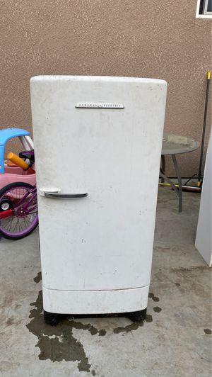Old fridge for Sale in Visalia, CA