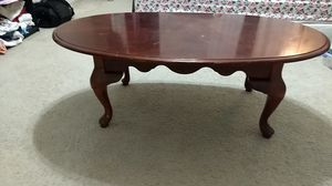 Ovel shape coffee table for Sale in Carrollton, TX