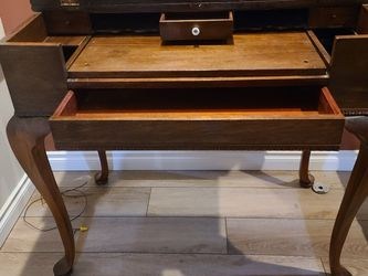 Solid Mahagony Spinet Writing Desk for Sale in Vancouver,  WA