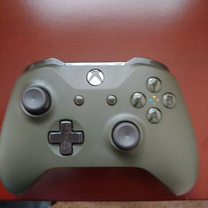 Xbox 360 Controllers. Joy Sticks Sway for Sale in Snohomish, WA