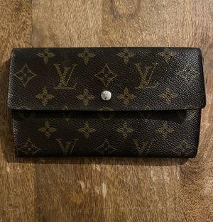 Louis Vuitton wallet for Sale in Riverside, CA