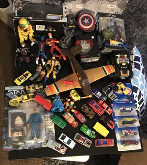 Lot of figures vintage and modern marvel hot Wheels for Sale in Chicago, IL