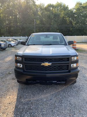 2014 Chevy Silverado 1500 4 x 4 with a 5.3 L engine for Sale in Staten Island, NY