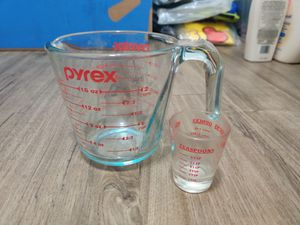 Pyrex Measuring Cup and Shot measuring Glass (big and small combo) for Sale in Phoenix, AZ