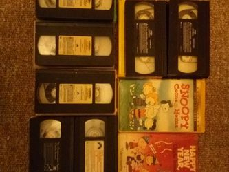 Peanuts And Rocky And Bullwinkle VHS Tapes for Sale in Athens,  IL