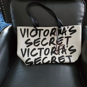 New Victoria Secret Tote Bag W Tags for Sale in Allen Park, MI