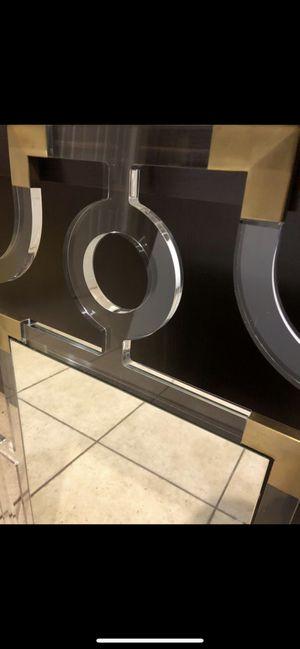 New Safavieh acrylic stainless steel Brass for Sale in Clovis, CA