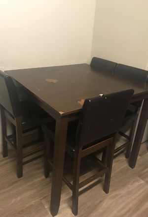 Kitchen table!!! With 4 leather chairs for Sale in Phoenix, AZ