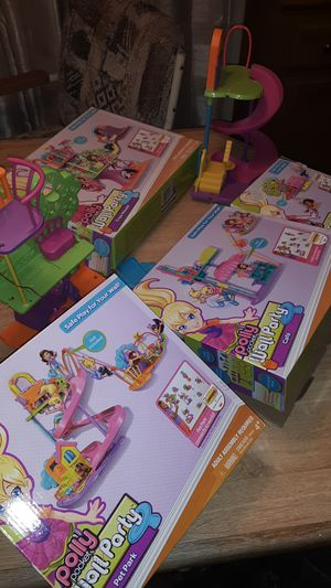 4 Polly Pocket wall party sets with boxes for Sale in Mill Creek, WA