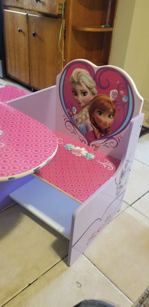 Desk kids Ana and Elsa for Sale in Brooklyn, NY