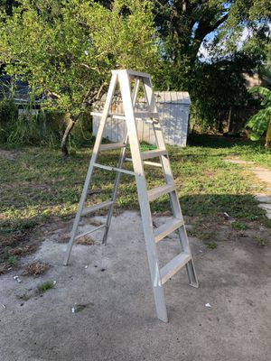6ft step ladder for Sale in Tampa, FL