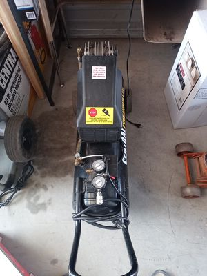 Central panomatic 125 psi air compressor for Sale in Hesperia, CA