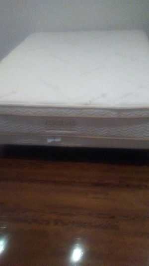 """Queen-size 14.5"""" Plush soft mattress, Queen Size 4.75"""" Low Profile Foundation, Queen frame, all by Saatva for Sale in Beverly Hills, CA"""