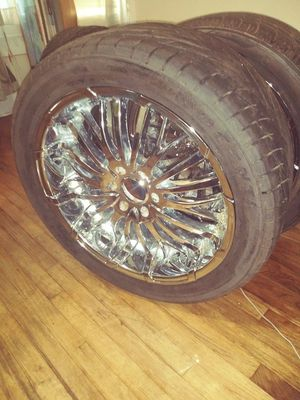 22 inch rims and tires 6 lug pattern for Sale in Alexandria, LA