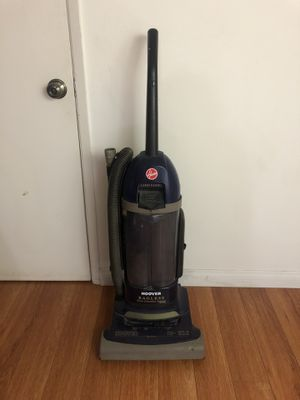 Hoover upright Bagless vacuum for Sale in Los Angeles, CA