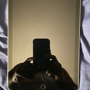 Unlocked Used IPad (6th Generation) for Sale in Upper Marlboro, MD