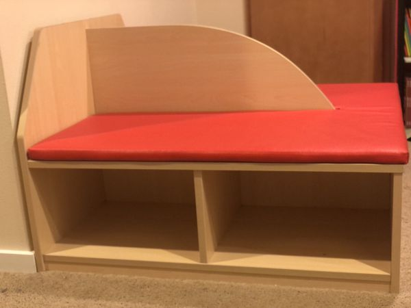 Early Childhood Resource Reading Cubby Bench