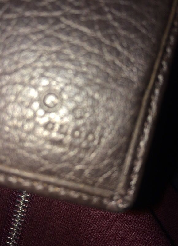 Authentic classic Gucci wallet used before for the low