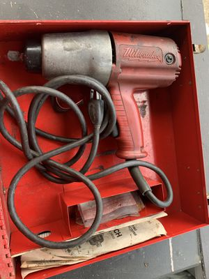 "Milwaukee Heavy Duty 1/2"" Impact Wrench 9065 Corded for Sale in Cleveland, OH"