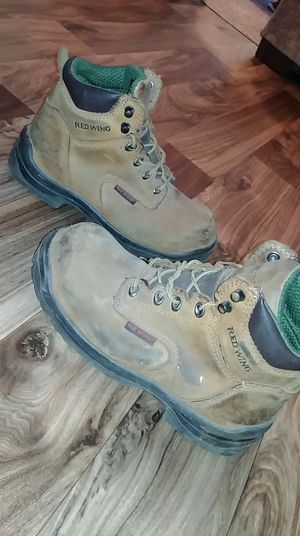 RED WING STEEL TOE BOOTS FOR MEN SIZE 6.5 for Sale in Stilwell, KS