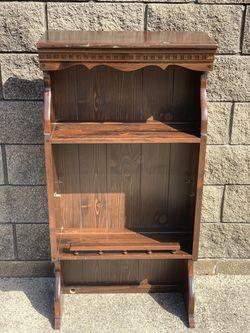Ethan Allen small hutch/bookcase for Sale in Clinton Township,  MI