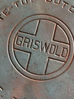 Rare GRISWOLD NO 10 DUTCHOVEN ERIE PA ((( Needs Curing))) AS IS!!!!!!!!!!!!!Serious Buyers Only!!!!!!! for Sale in Fresno,  CA