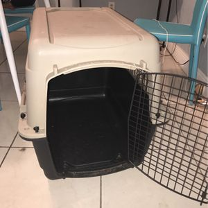"Kennel For Small/Medium Sized Dog ""32"" for Sale in Orlando, FL"