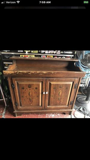 Vintage magnavox stereo system with awesome cabinet found one on eBay for 425 in better shape for Sale in Tampa, FL