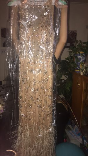 Prom dress only wore for 3 hours ! Size 3 for Sale in Columbus, OH