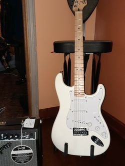 Fender Squire Strat & Amp for Sale in Hinckley,  OH