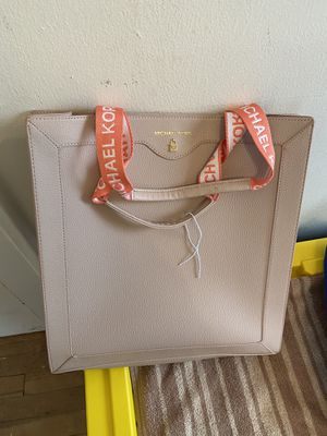 Brand new Michael Kors bag from Macy's retail at $250 for Sale in Lakewood, OH