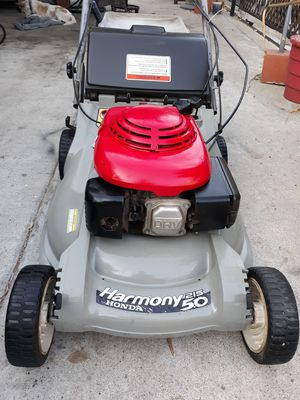 Honda hr215 harmony lawn mower for Sale in Paramount, CA
