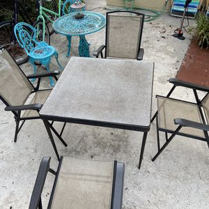 Folding Outdoor Patio Furniture Set for Sale in Orlando, FL