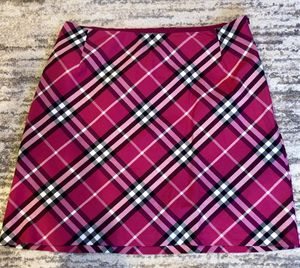 Burberry women pink mini skirt size 6 for Sale in Raleigh, NC