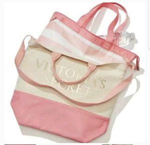 Nwt victoria secret cooler tote bag zipped pinkNwt victoria secret cooler tote bag zipped pink for Sale in Cypress Gardens, FL