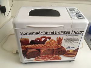 Oster 5834 Oster 2 lb. Expressbake Automatic Bread Maker w/Users Manual for Sale in Costa Mesa, CA