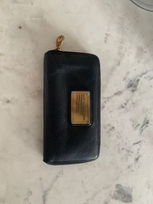 Marc by Marc Jacobs black leather wallet for Sale in Tempe, AZ